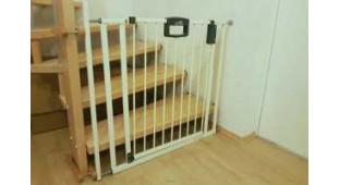 Видео инструкция по установке ворот безопасности немецкой компании Гёйтер